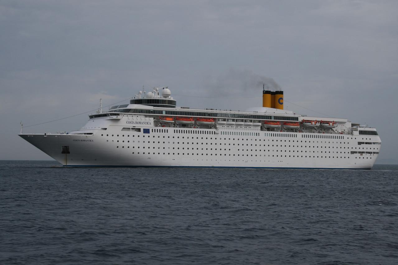 M/S COSTA ROMANTICA offshore Capri.