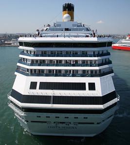 2008 - M/S COSTA SERENA maneuvering in Bari. Stern view.