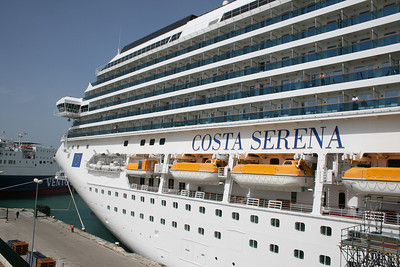 2008 - M/S COSTA SERENA in Bari.