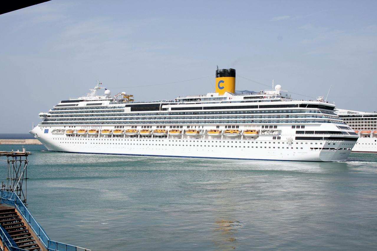 2008 - M/S COSTA SERENA departing from Bari.