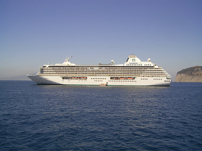 M/S CRYSTAL SERENITY offshore Sorrento.