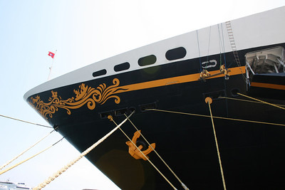 M/S DISNEY MAGIC : the bow.