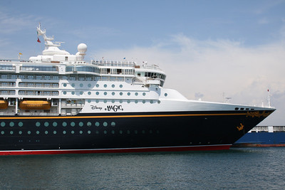 M/S DISNEY MAGIC in Napoli.