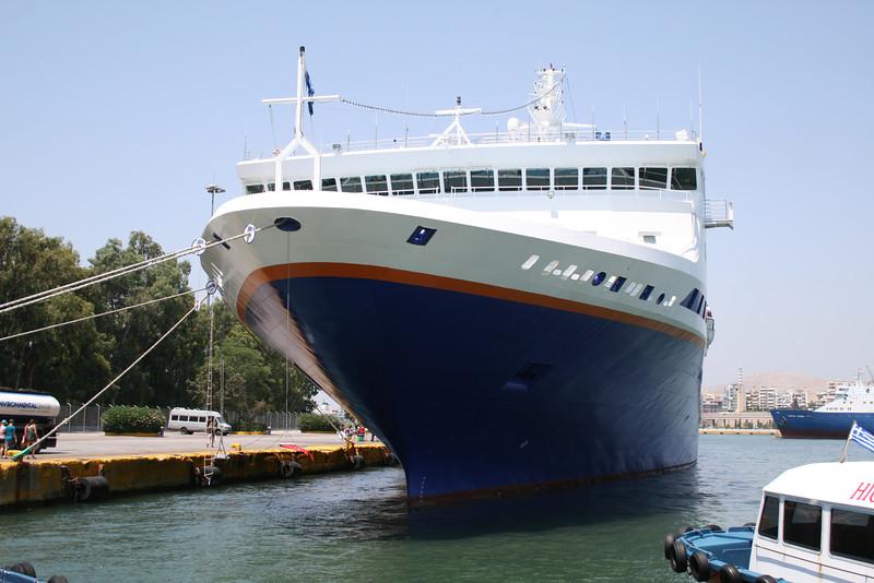 2011 . M/S EXPLORER in Piraeus.
