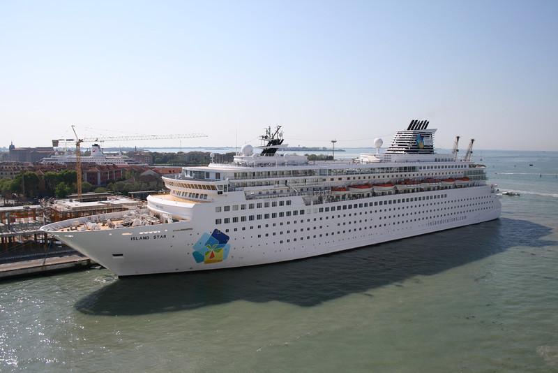 2008 - M/S ISLAND STAR in Venezia.