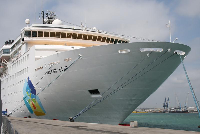 2008 - M/S ISLAND STAR in Civitavecchia.