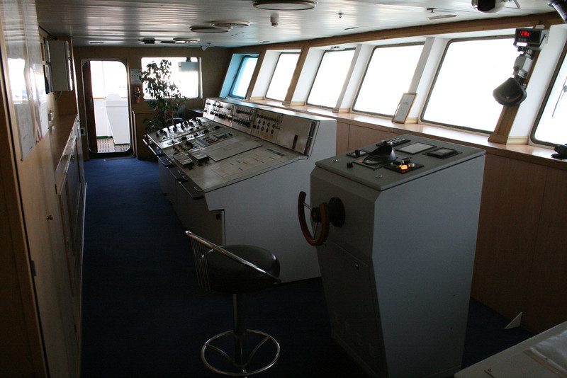 2010 - On board M/S KRISTINA KATARINA : the bridge, helm wheel and engine controls.