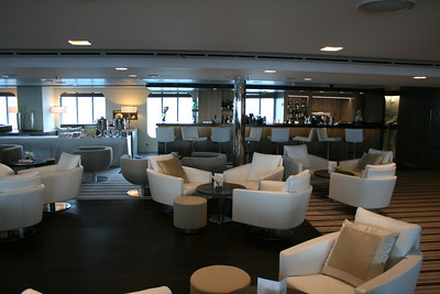 2011 - On board M/S L'AUSTRAL : main lounge, deck 3 Calicut.