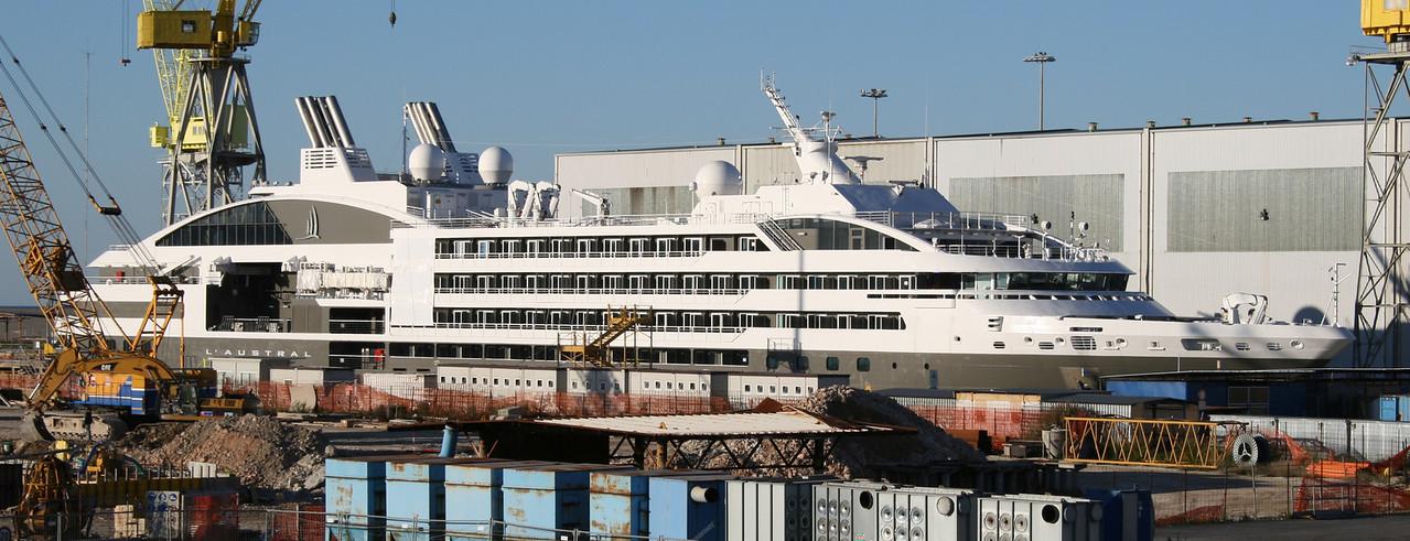 2010 - M/S L'AUSTRAL : last works in shipyard in Ancona.