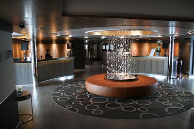 2011 - On board M/S L'AUSTRAL : reception desk and excursion desk, deck 3 calicut.