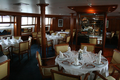2011 - On board M/S LE PONANT : restaurant Karukira, Saint Barth deck.