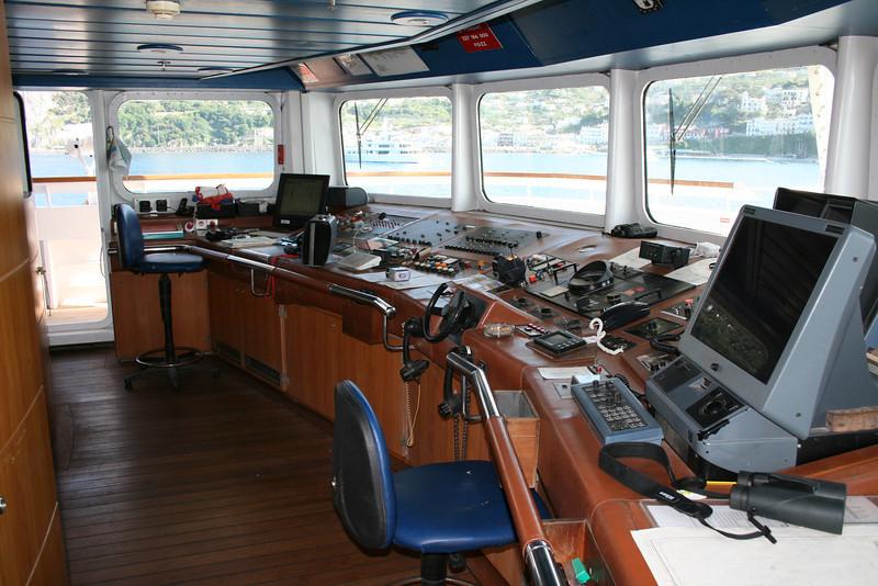 2011 - On board M/S LE PONANT : the bridge.