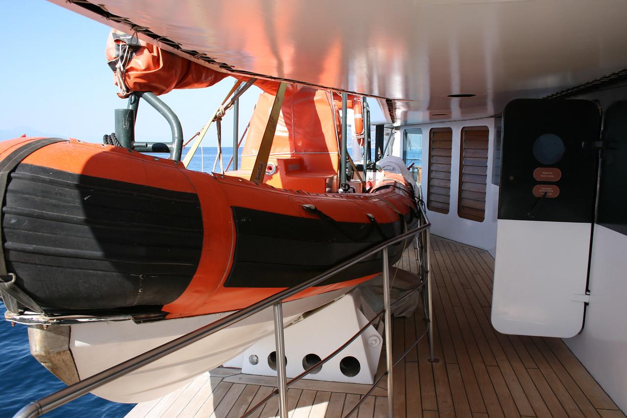 2011 - On board M/S LE PONANT : fast rescue boat.