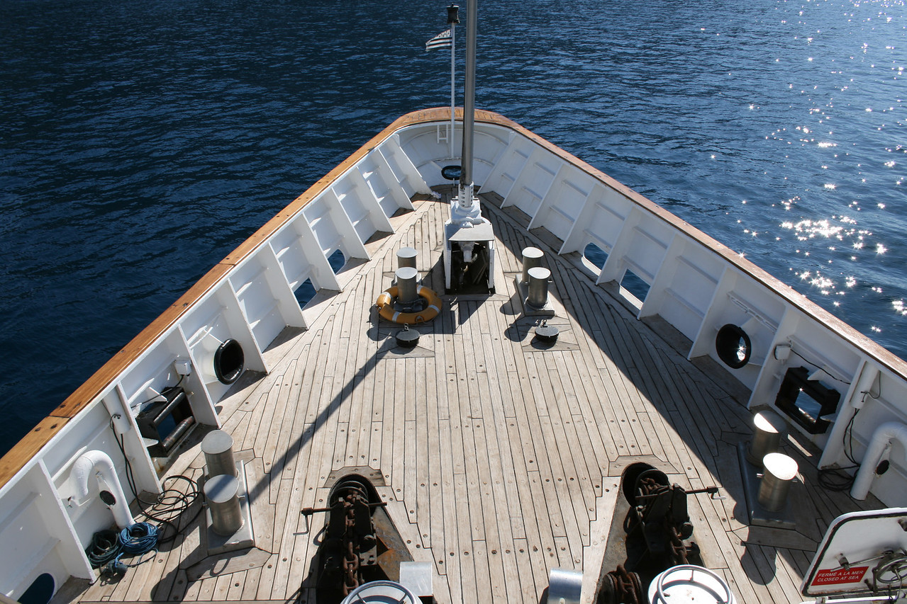 2011 - On board M/S LE PONANT : bow operating station.