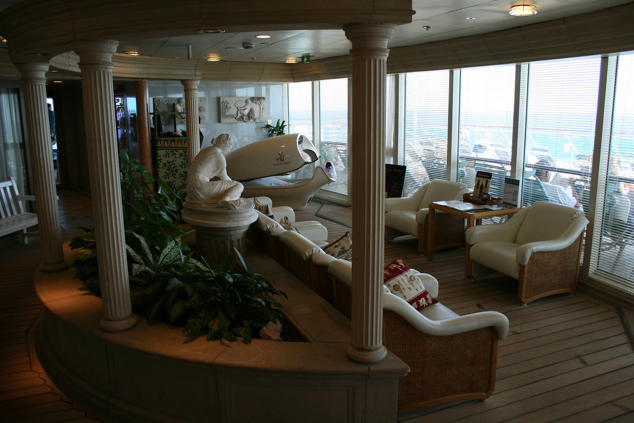 2009 - On board M/S LEGEND OF THE SEAS : Day SPA, relaxing room, deck 9.