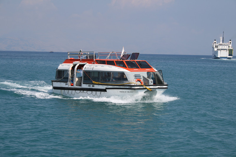 2009 - On board M/S LEGEND OF THE SEAS : tender disembarking in Corfu.