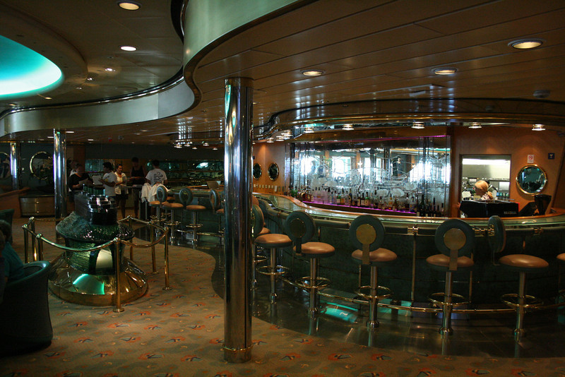 2009 - On board M/S LEGEND OF THE SEAS : Champagne bar, deck 4.