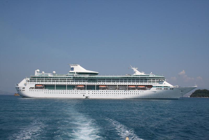 2009 - M/S LEGEND OF THE SEAS offshore Corfu.
