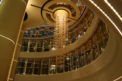 2009 - On board MSC FANTASIA : Atrium chandelier.