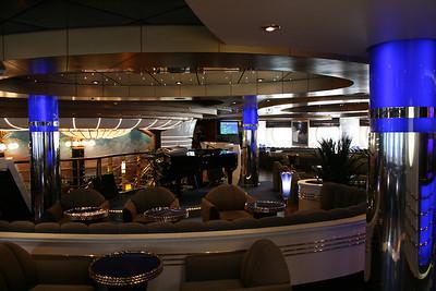 2009 - On board MSC FANTASIA : Il Transatlantico Piano bar.