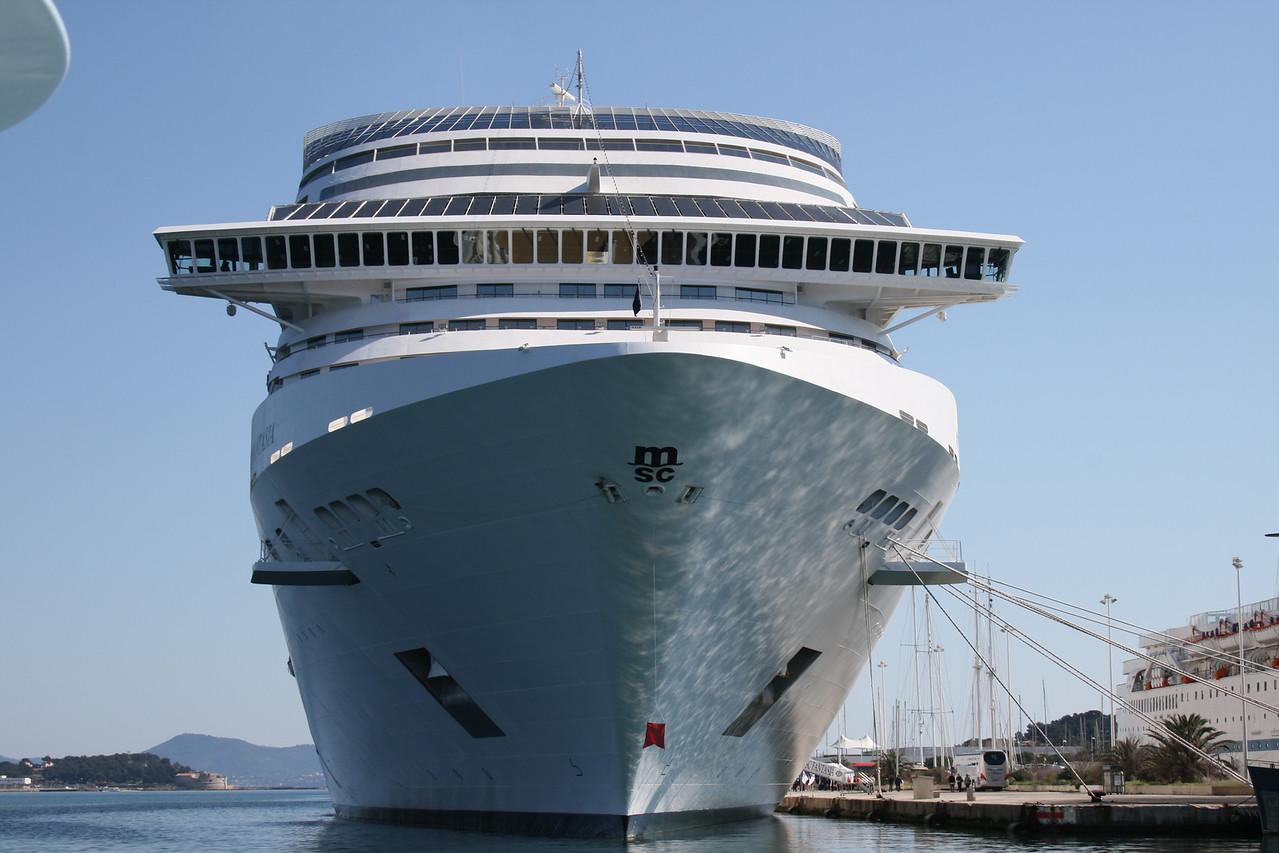 2009 - M/S MSC FANTASIA in Seyne sur Mer, Toulon.