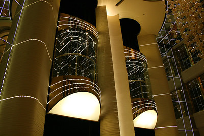2009 - On board MSC FANTASIA : panoramic elevators.