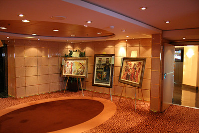 2008 - On board MSC MUSICA : art gallery.