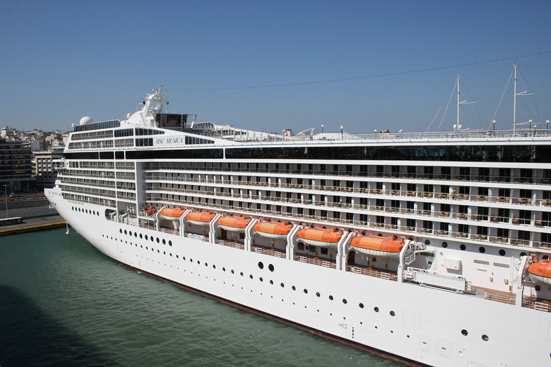 2009 - MSC MUSICA at Piraeus.