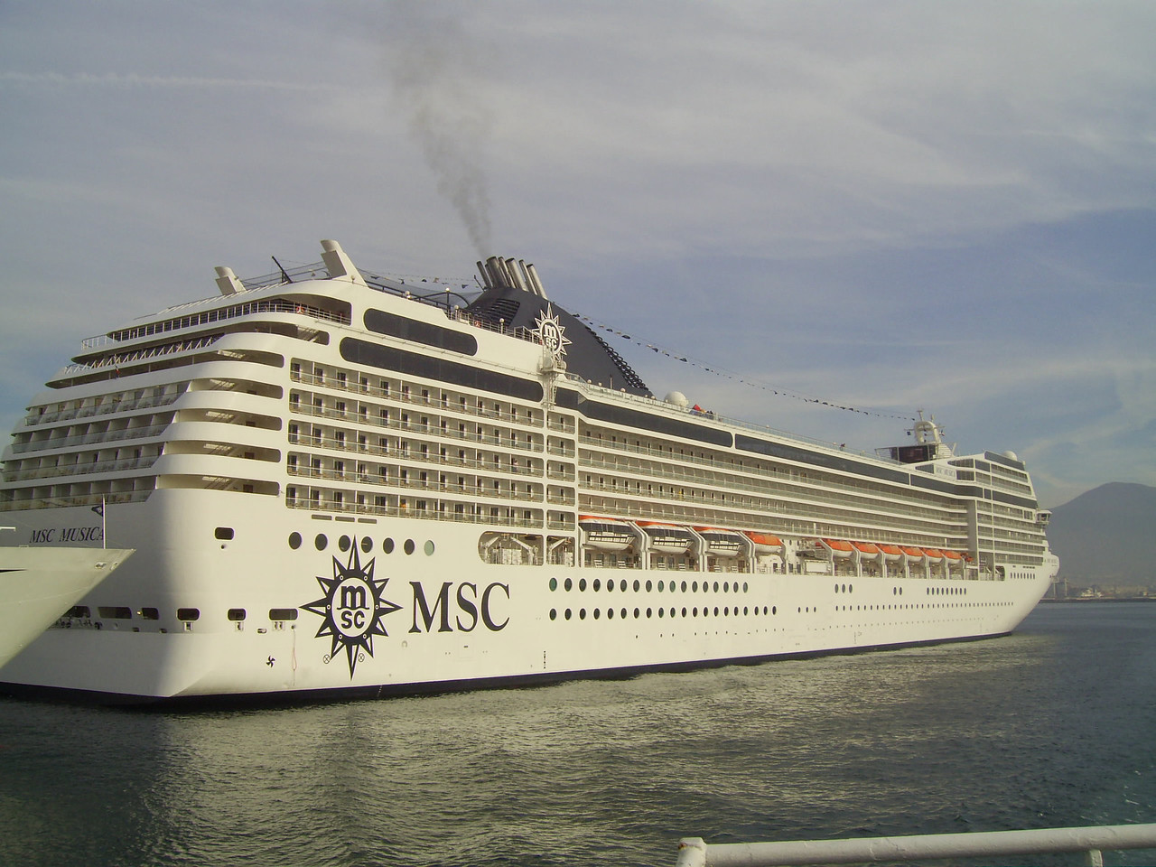 2007 - M/S MSC MUSICA in Napoli.