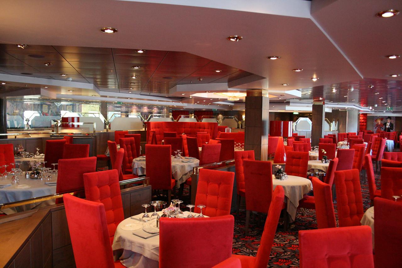 2008 - On board MSC MUSICA : Restaurant Le Maxim.
