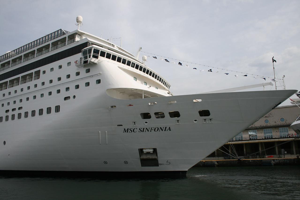 2009 - M/S MSC SINFONIA in Napoli.