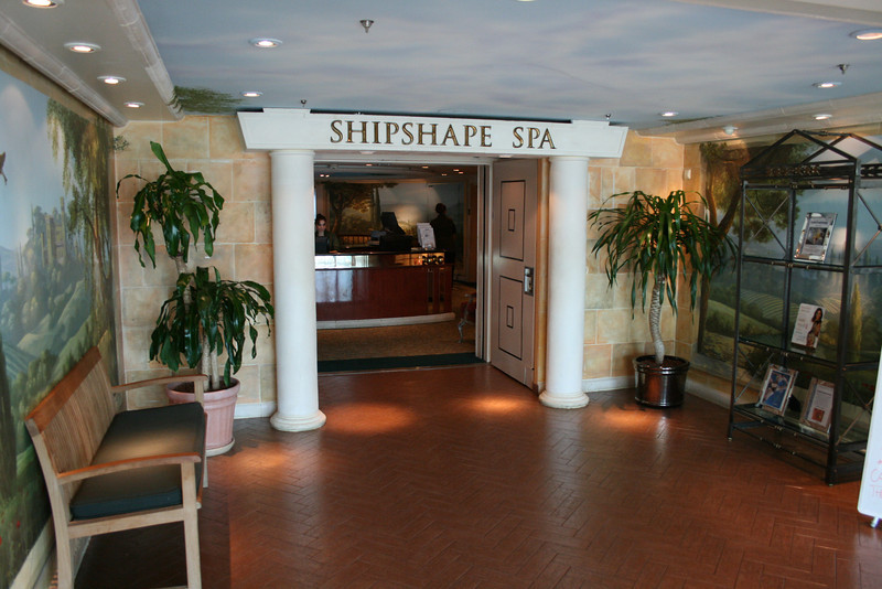2010 - On board NAVIGATOR OF THE SEAS : Shipshape Spa.