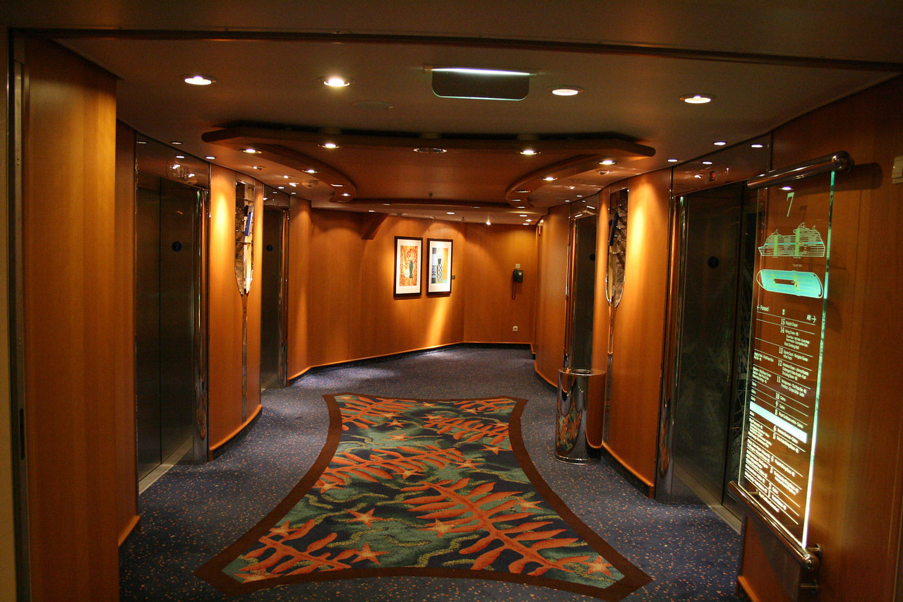 2010 - On board NAVIGATOR OF THE SEAS : elevators.