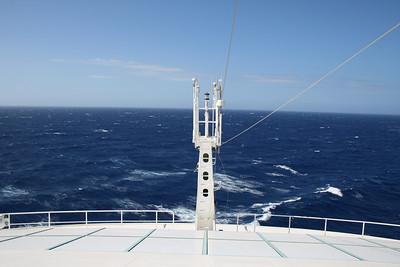 2010 - On board NAVIGATOR OF THE SEAS : cruising on a bad sea.