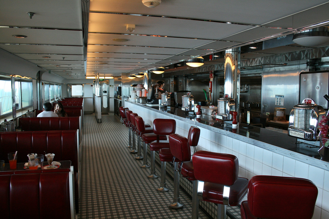 2010 - On board NAVIGATOR OF THE SEAS : Johnny Rockets Hamburgers.