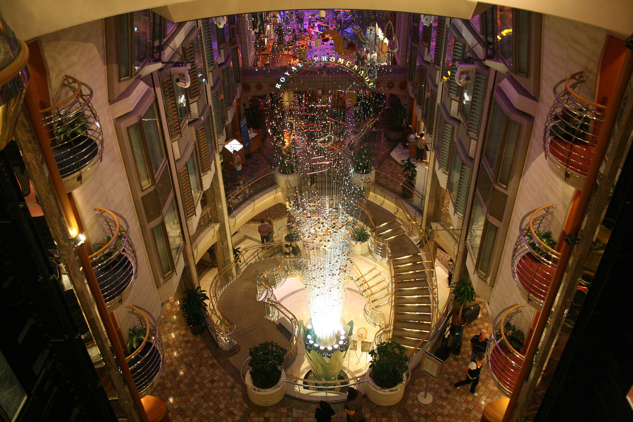 2010 - On board NAVIGATOR OF THE SEAS : Centrum and Royal Promenade.