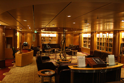 2010 - On board NAVIGATOR OF THE SEAS : Library.