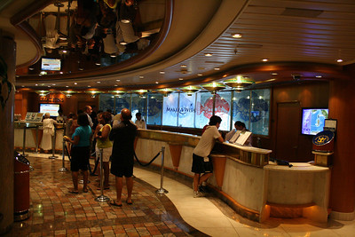 2010 - On board NAVIGATOR OF THE SEAS : Purser's desk.