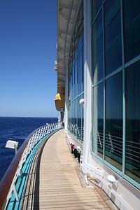 2010 - On board NAVIGATOR OF THE SEAS : walkway, deck 4.