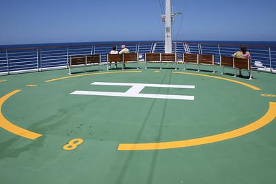 2010 - On board NAVIGATOR OF THE SEAS : observation deck.