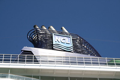 2011 - NORWEGIAN EPIC in Civitavecchia: a funnel.