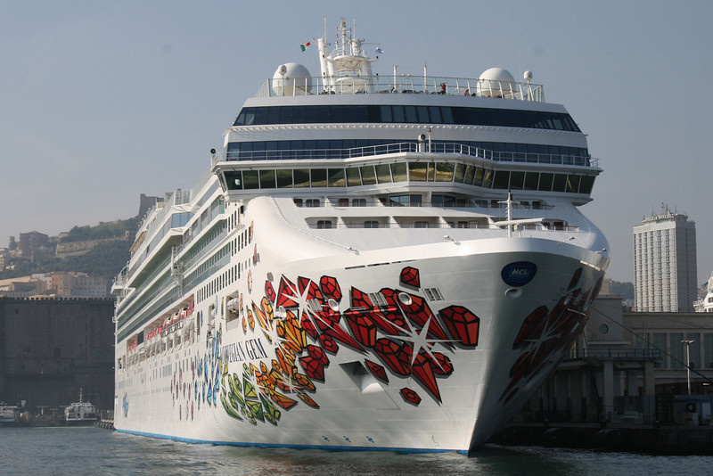 2008 - M/S NORWEGIAN GEM in Napoli.