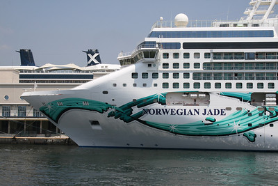 2010 - M/S NORWEGIAN JADE in Napoli.