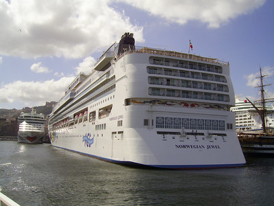 2007 - M/S NORWEGIAN JEWEL in Napoli.