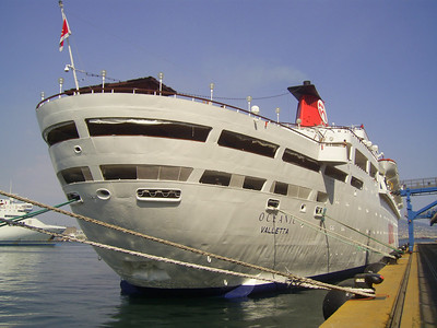 2008 - S/S OCEANIC in Napoli.