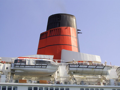 2007 - T/S QUEEN ELIZABETH 2 : the funnel.