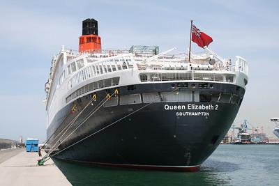 2008 - T/S QUEEN ELIZABETH 2 in Civitavecchia : the stern.