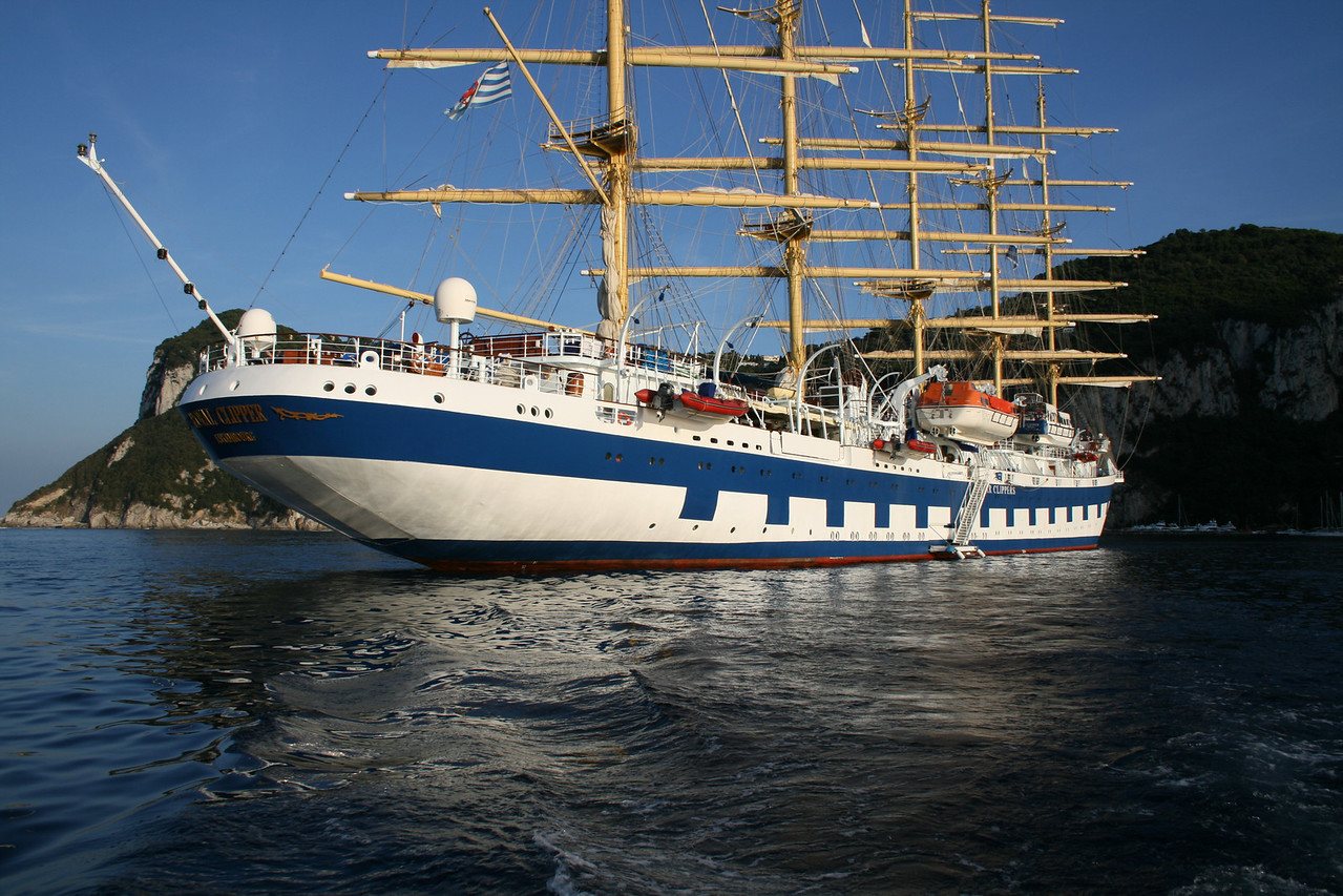 2008 - ROYAL CLIPPER offshore Capri.