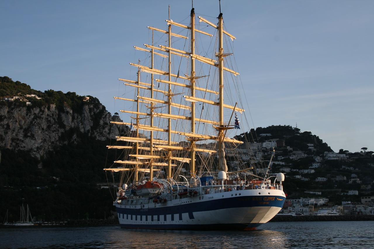 2008 - ROYAL CLIPPER offshore Capri.