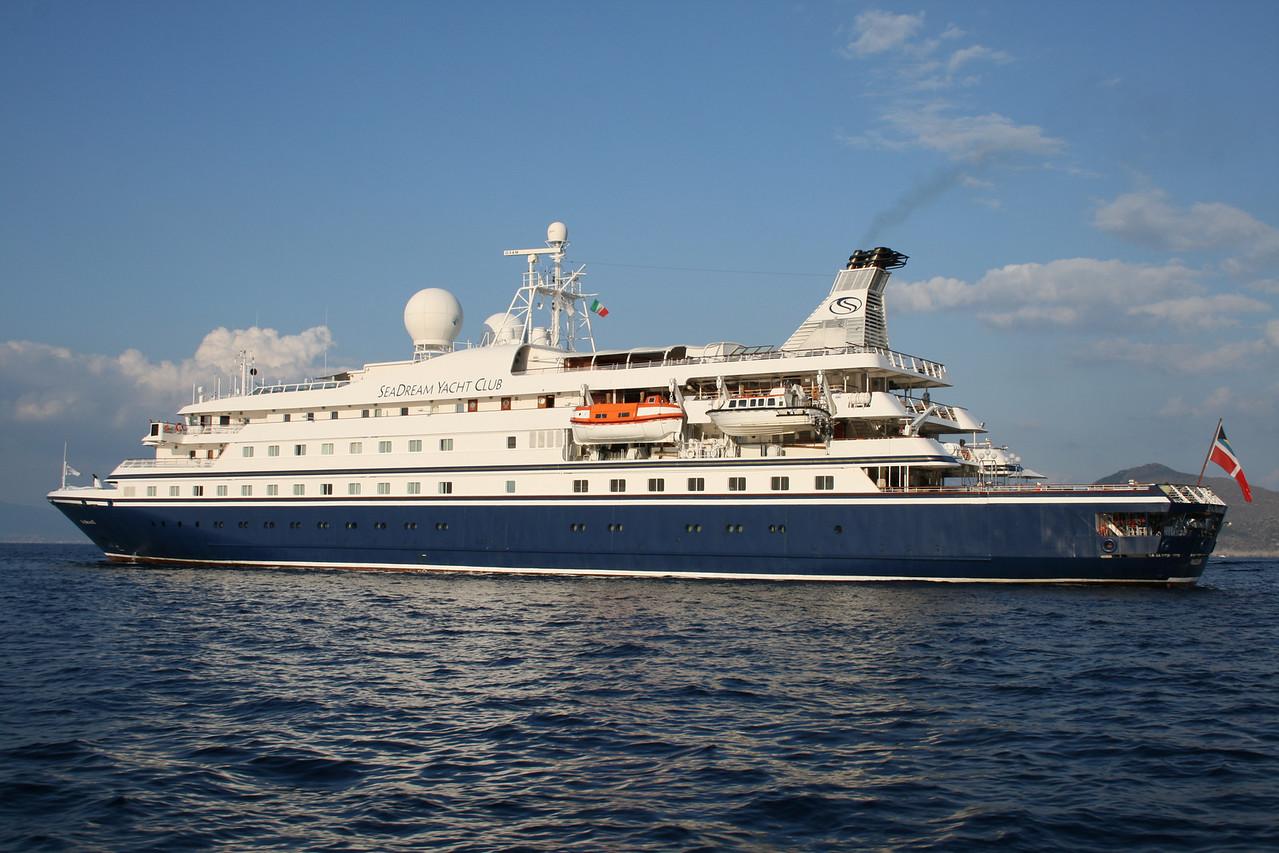 2008 - SEADREAM II offshore Capri.